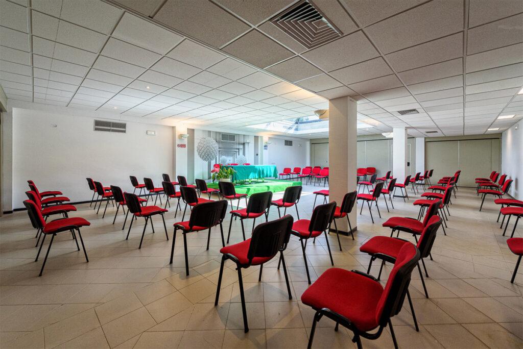 www.acaciamarina.com - Sale Meeting e Incentive - posizionamento sedute con distanziamento sanitario.